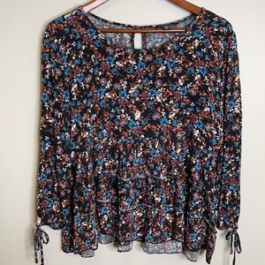 American Eagle floral boho ruffle tiered tied sleeve crinkled viscose blouse Med